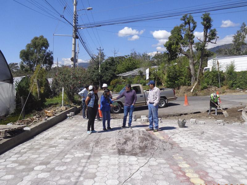 Adoquinado Calle Abdón Calderón - GAD Nayón
